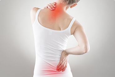 women-having-back-pain